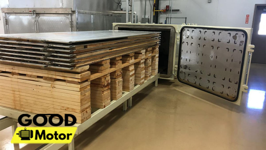 Ứng dụng của bơm hút chân không trong sản xuất gỗ Polymer